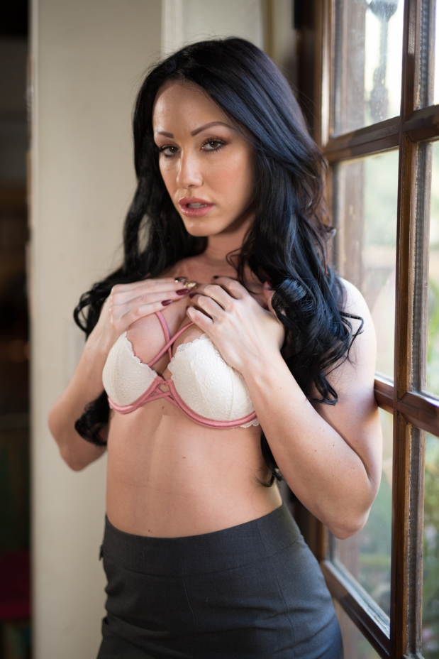 Jennifer White in Upcoming Sweetheart Release