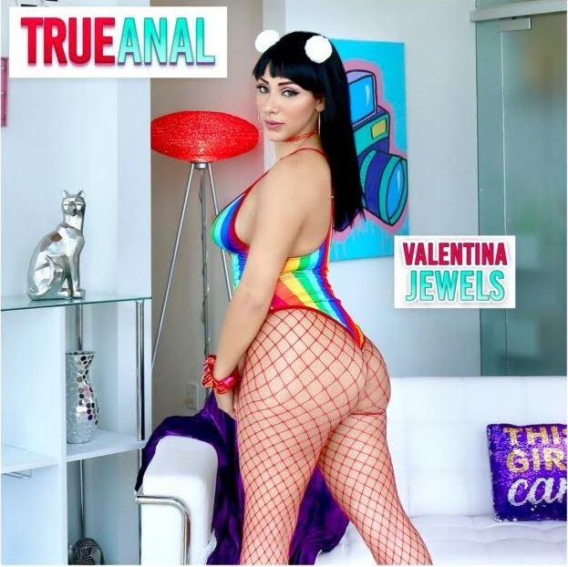 Valentina Jewels Returns to TrueAnal.com